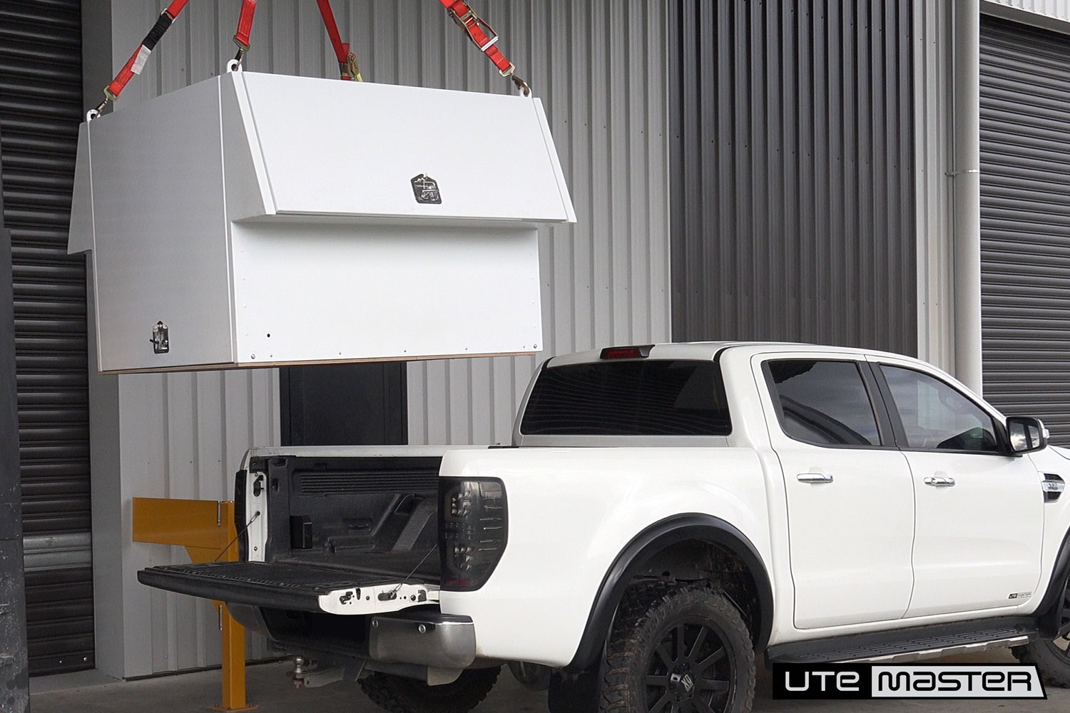 Lift Off Toolbox to suit Commercial Ute Removable Toolbox by Utemaster Lift off service body  v2
